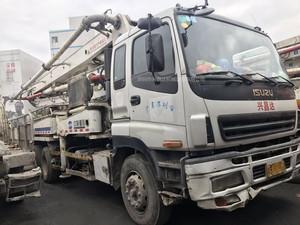 2007年国三绿标37米中联重科泵车,五十铃底盘