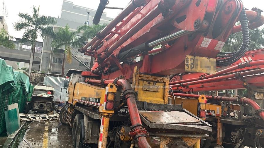 廣東深圳2009年底3臺40米X支腿三一重工泵車,五十鈴底盤