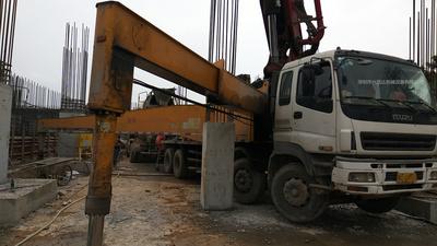 广东深圳2011年E系列三一重工混凝土泵车,五十铃底盘