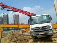 广东深圳2011年底52米六节臂三一重工泵车,奔驰底盘