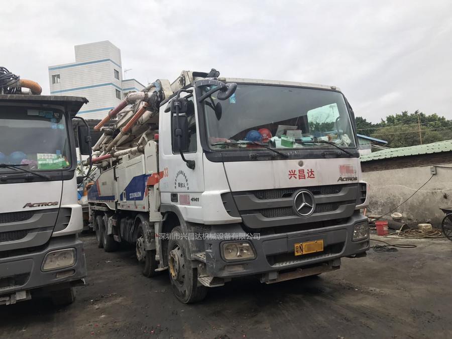 2012年52米中联重科泵车,同年7月上牌,奔驰底盘