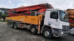 2013年8月56米三一重工泵车,奔驰底盘