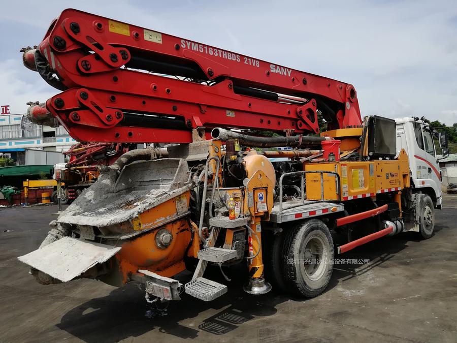 2014年年底三一重工V8城鎮先鋒23米短臂架泵車,三一自制底盤