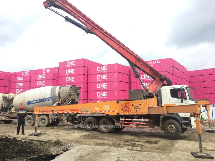 2014年3桥49米C8日野三一重工泵车,深圳出售