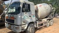 一批广东深圳2012年和2013年10方罐华凌星马混凝土搅拌车