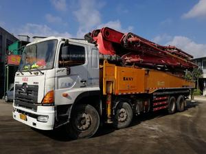 2012年6月52米六节臂三一重工泵车,日野700底盘