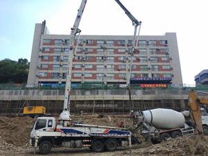 2013年五节臂38米中联重科泵车,五十铃底盘