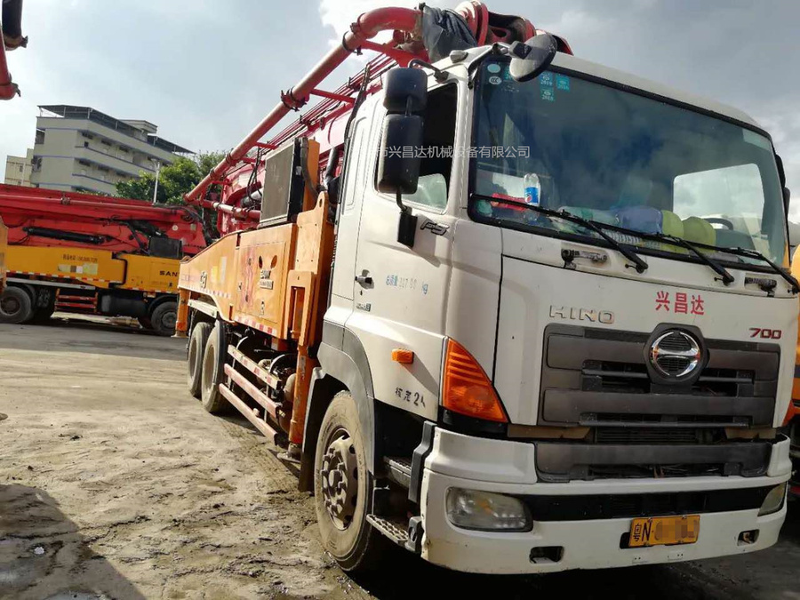 2014年49米三一重工泵车,日野底盘