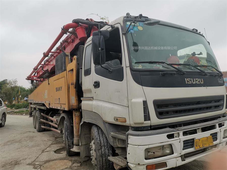 广东深圳2011年10月52米三一重工泵车,五十铃底盘