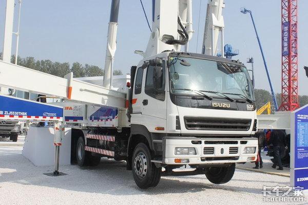 打开市场的正确方式巨咖泵车底盘来了- 兴昌达