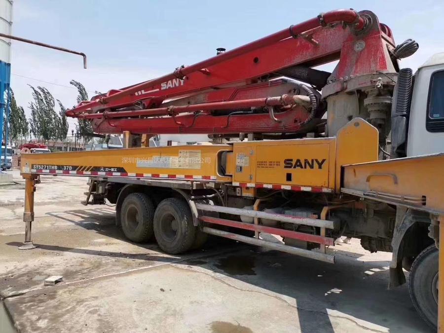 广东深圳2009年底,国三大排量三一重工泵車,五十铃底盘
