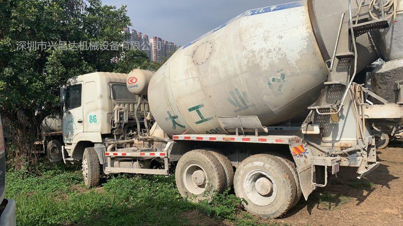 一批廣東深圳2012年和2013年10方罐華淩星馬混凝土攪拌車