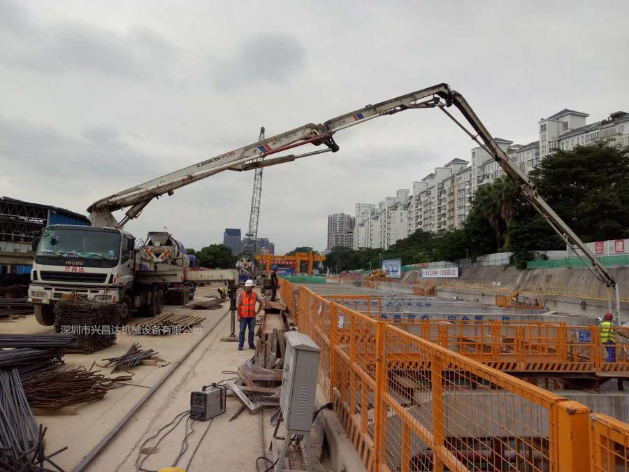 2012年47米中聯重科泵車,五十铃底盘