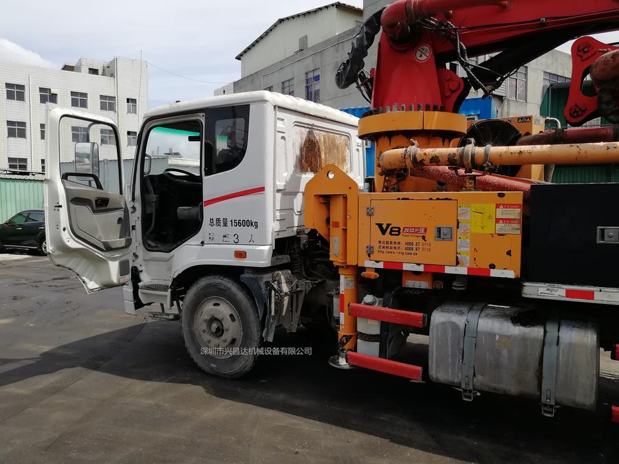 2014年年底三一重工V8城镇先锋23米短臂架泵车,三一自制底盘
