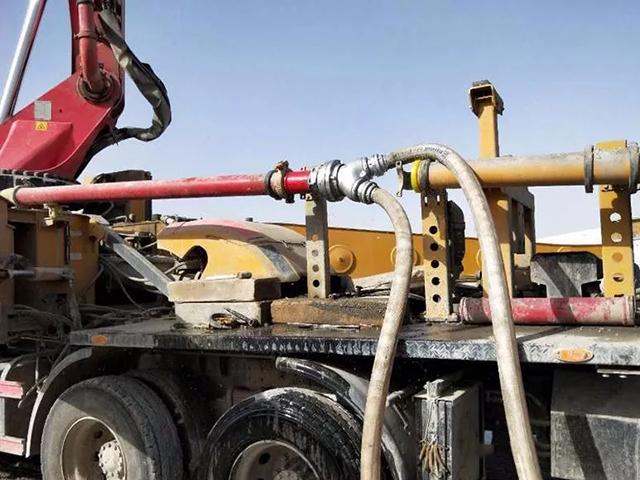 三一重工混凝土泵車變身高噴消防車